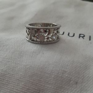 Star cut out ring in Sterling silver